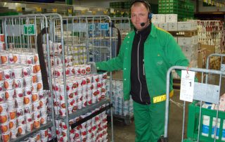 Man at Arla using Voice