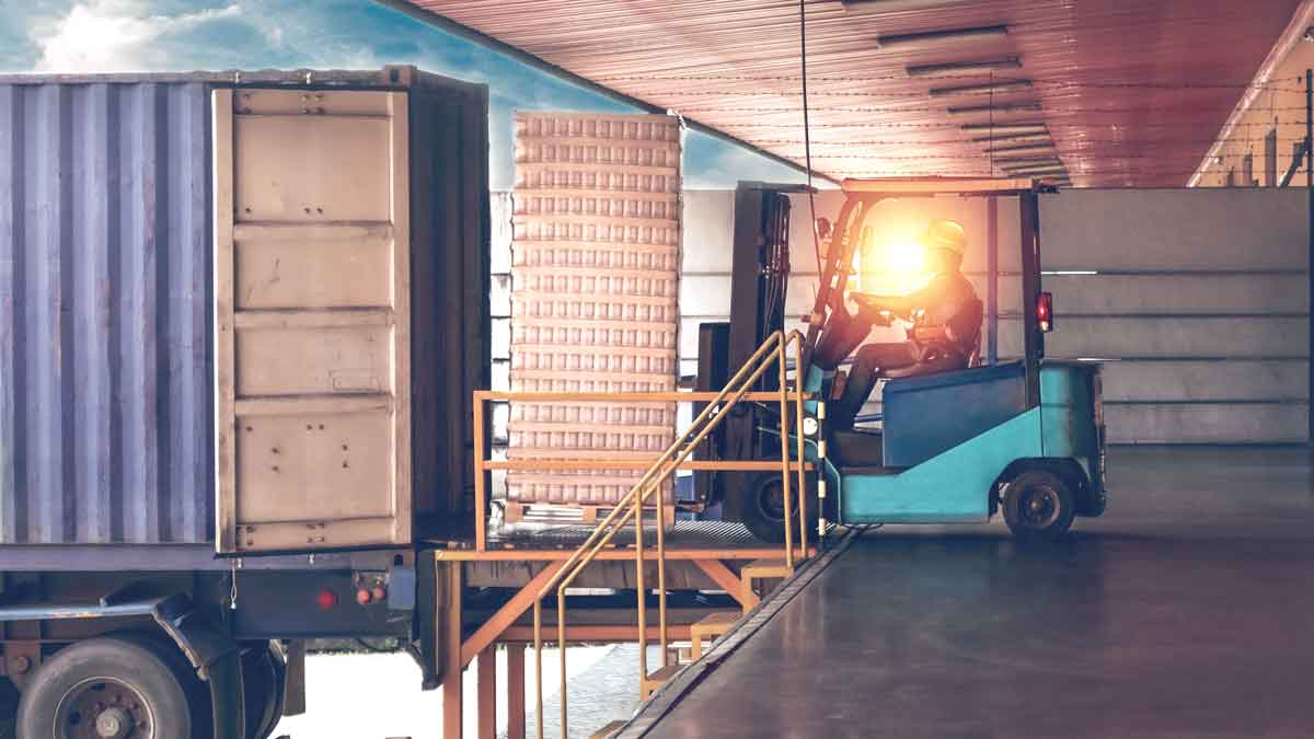 How to stay on the safe side with dangerous goods in your warehouse